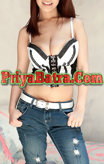Mona Hot Lokhandwala Escorts